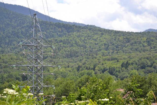 Адыгейские энергетики отремонтировали 140 км высоковольтных линий электропередачи
