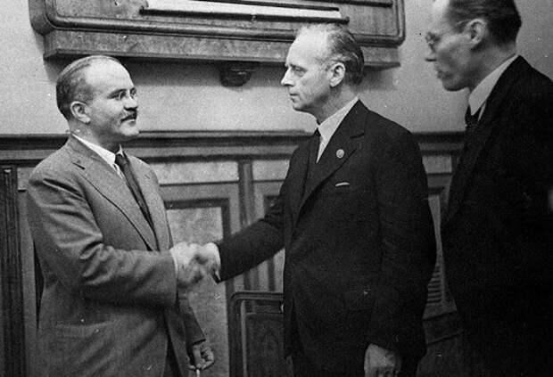 Какие написанные правила соблюдали советские дипломаты во время переговоров