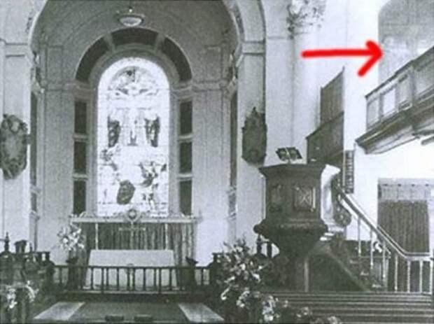 ghosts06 Реальность или дефект пленки? Самые известные фотографии призраков