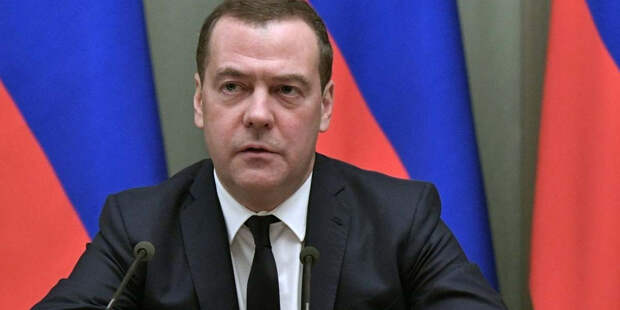 Медведева беспокоят биологические исследования Америки