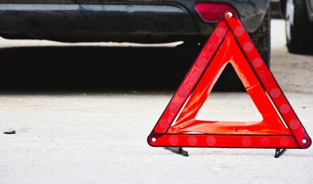 Две «Лады» столкнулись наулице Краснознаменная вНижнем Тагиле
