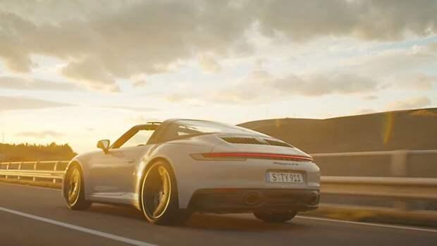 Компания Porsche представила новинки в линейке 911