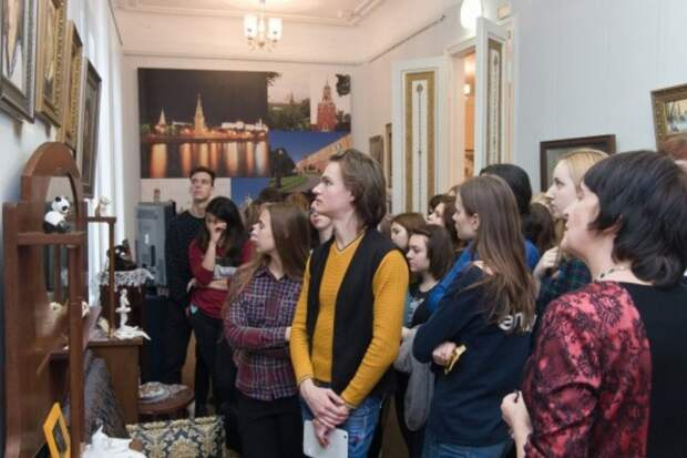 В библиотеке на Весенней ко Дню города откроется выставка о Москве