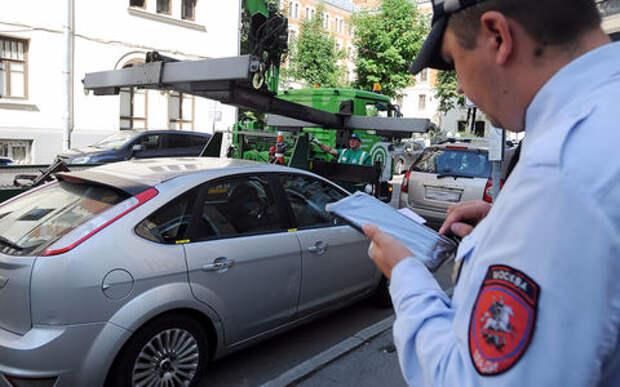 Столичные водители парконов в пятницу работают «на своих двоих»