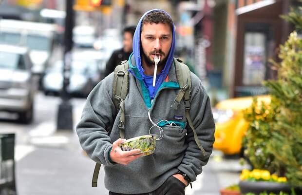 #гардероб: как Шайа Лабаф легализовал стиль бездомного