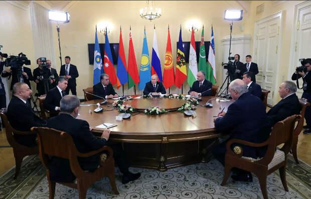 Путин представил документы о соглашениях стран с Германией до войны