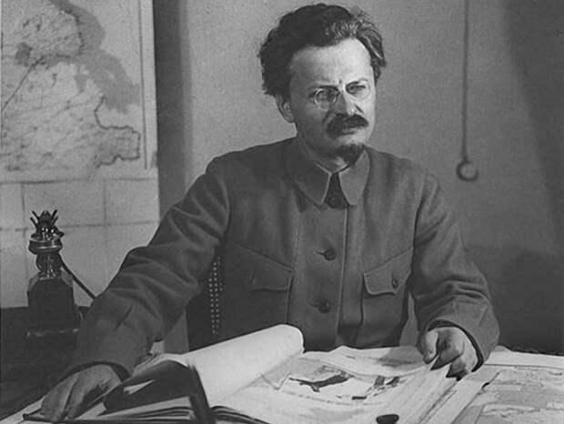 Как Троцкий изменил бы СССР, если бы переиграл Сталина