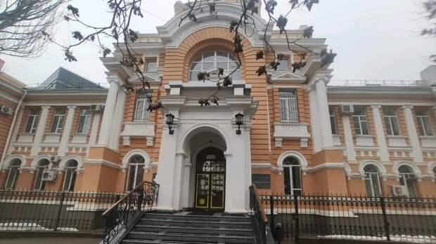 Стало известно, кто изсудей Ростовского областного суда заработал больше всех