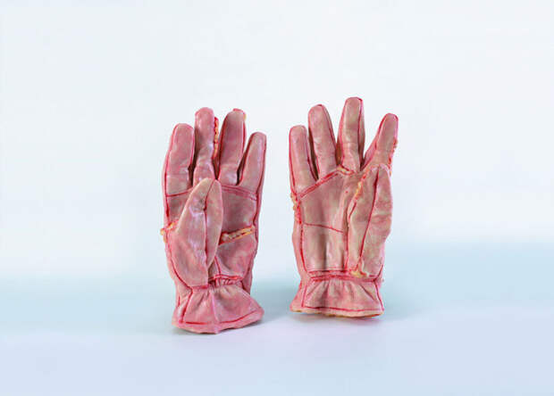 Перчатки. Автор: Cao Hui.