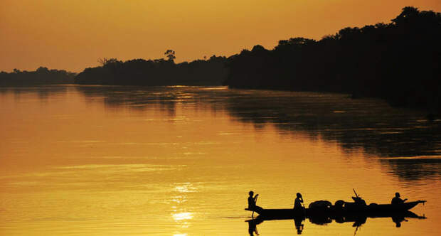 Sunset on congo river2