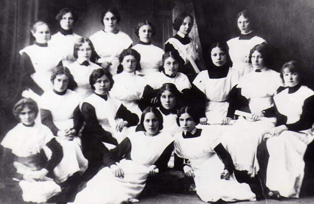 Дворянки, гимназистки, красавицы! Особенности обучения в дореволюционных женских гимназиях