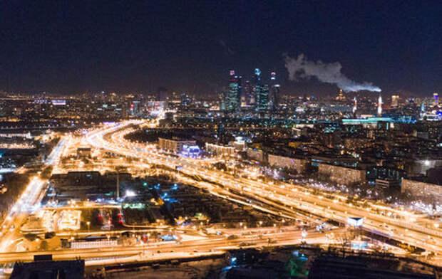 В Москве оборудуют 49 тысяч «умных» фонарей