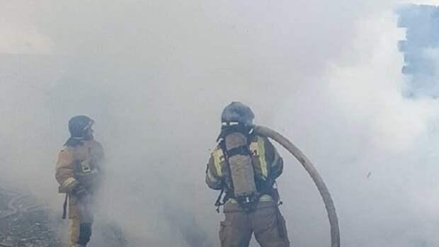 Крупный пожар потушен в Петроградском районе Петербурга