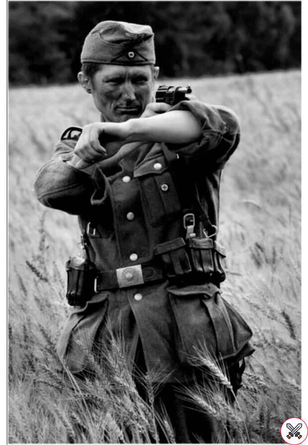 Зачем на войне Немецкие солдаты постоянно закатывали рукава? Отвечает военный