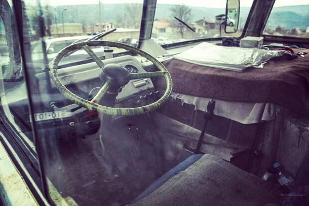 Интересно, у всех из них был руль в оплётке? автобусы, воспоминания, детство, ностальгия