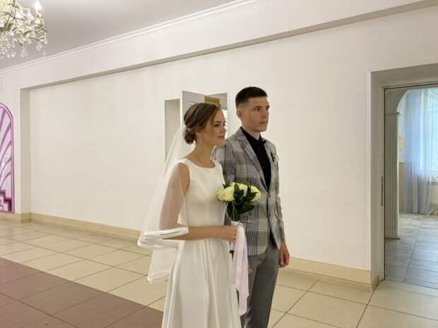 В Твери 20 пар поженились в День семьи, любви и верности