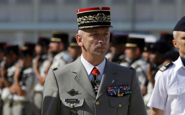 Французские военные поддержали письмо к Макрону о «распаде» страны