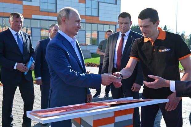 Путин открыл сквозное движение по ЦКАД: названы цены на проезд