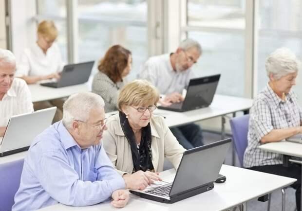 Белгородские пенсионеры продолжают осваивать современные технологии