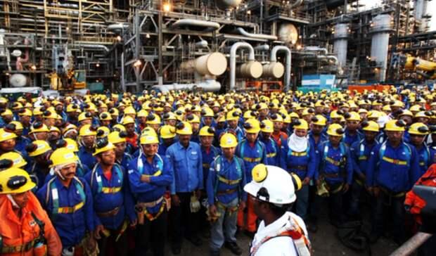 Exxon увольняет почти 2тыс. сотрудников вСША