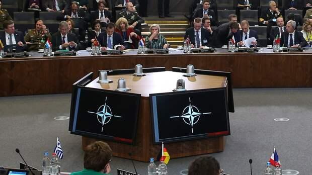 """Лидеры стран НАТО призвали Россию исключить США и Чехию из списка """"недружественных стран"""""""