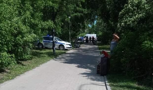 Полиция оцепила сквер: уж/д вокзала вЕкатеринбурге обезврежен мужчина сножом