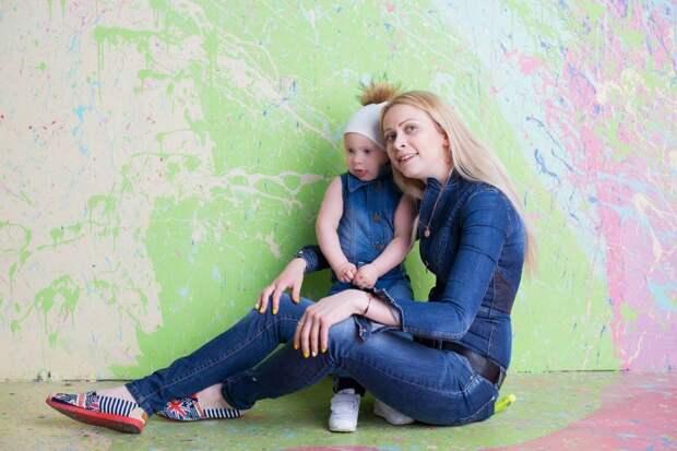 Александра со старшей дочкой Владой. Фото: соцсети