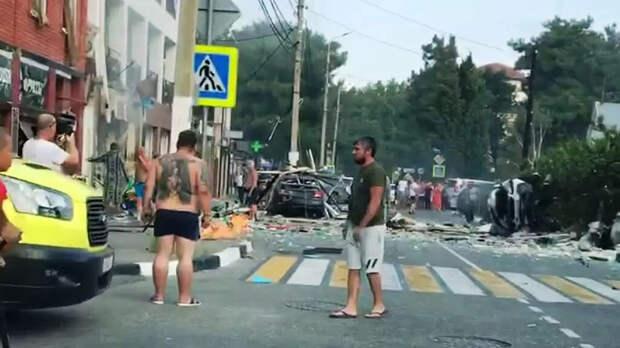 Один погиб и четверо пострадали при взрыве в отеле в Геленджике