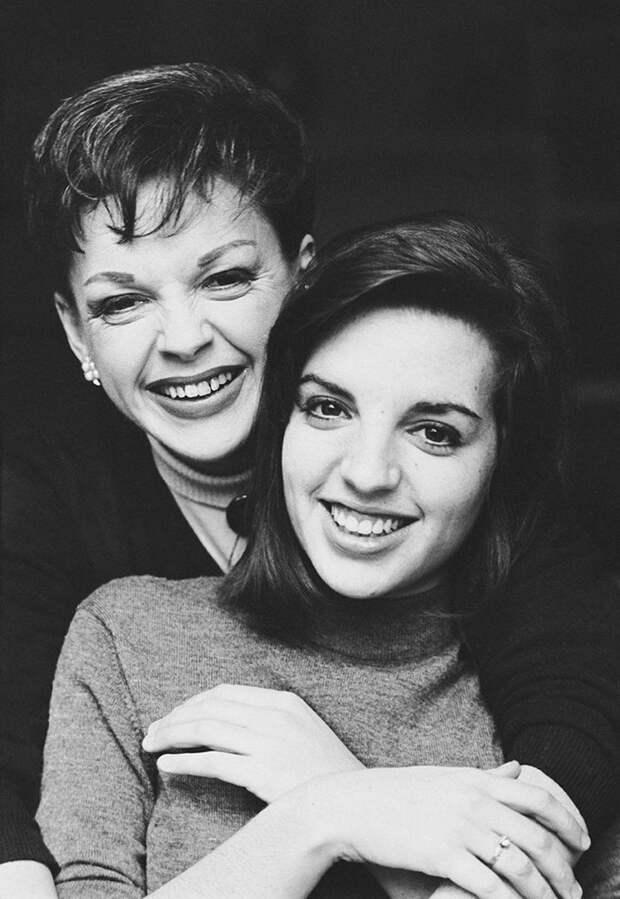 Лайза Миннелли с родителями - легендарными актрисой и певицей Джуди Гарленд и режиссёром Винсентом Миннелли