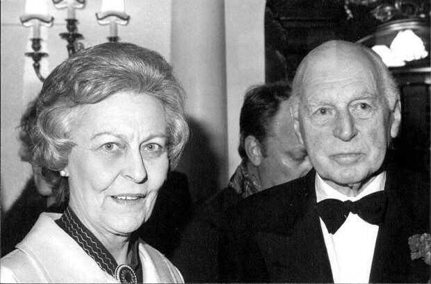 Джин конан Дойл с мужем, сэром Джеффри Брометом.