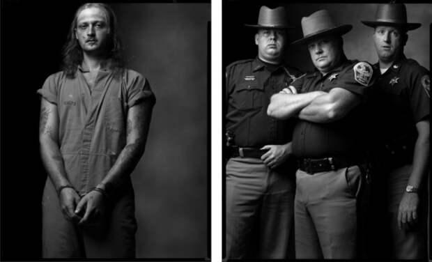 Грабитель банков и Полицейские. Автор фото: Марк Лайт (Mark Laita).