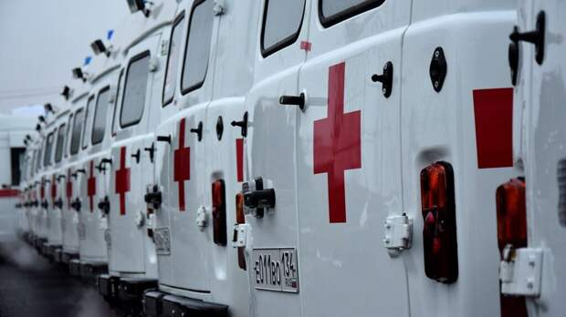 В Саратове мужчина напал с ножом на врачей скорой помощи