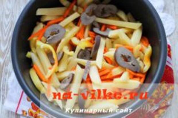 Почки свиные с овощами в мультиварке