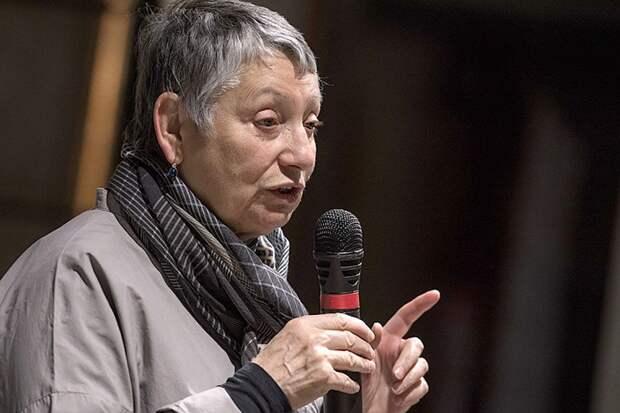 Писательница Улицкая считает русских «грязными больными дикарями»