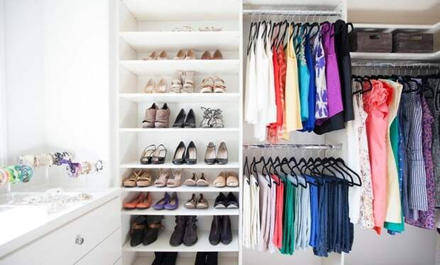 Хорошее освещение - важная составляющая любой гардеробной комнаты.