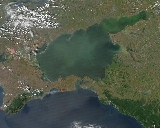«Крымский Байкал»: что находится под Азовским морем