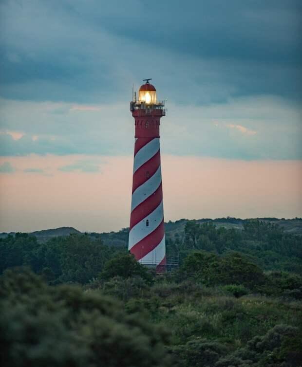 Живописные маяки на снимках со всего мира