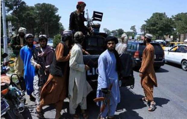 Талибы пообещали не убивать мирных жителей Кабула и позволить им уйти