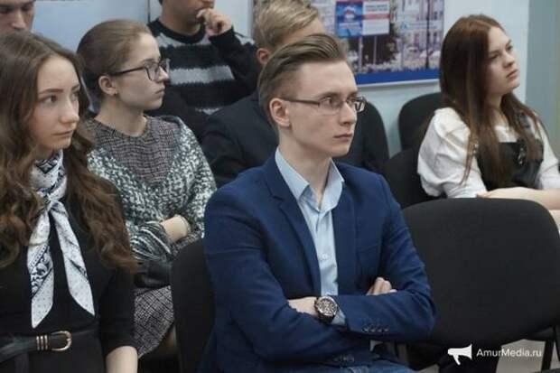 Молодые политики познакомились со «Справедливой Россией»