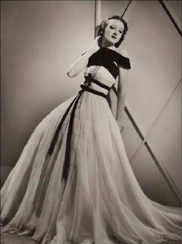 Тея (Екатерина) Бобрикова - манекенщица и владелица модного дома в 1930-х годах. | Фото: storyfiles.blogspot.com.
