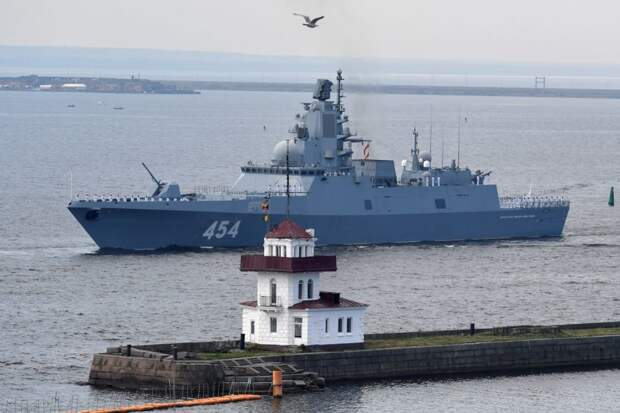 """Фрегат """"Адмирал Горшков"""" вышел в море для испытаний нового оружия"""