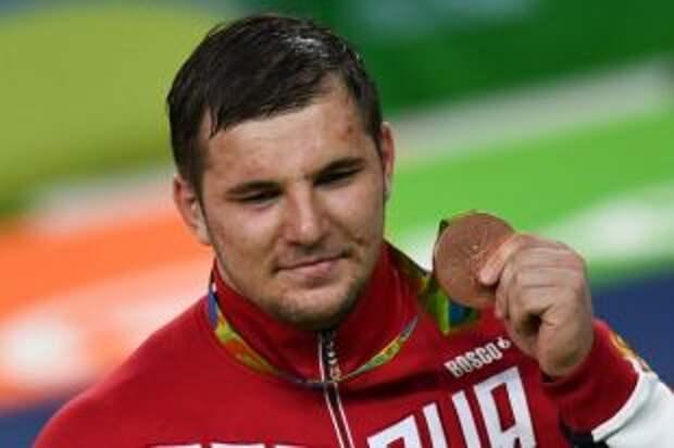Борец Семенов сразится за бронзу на Олимпиаде в Токио