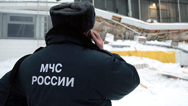 Сотрудник МЧС РФ. Архивное фото