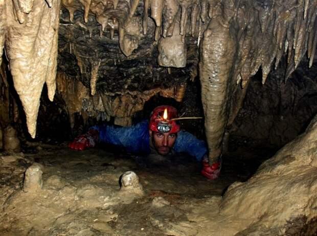 В пещере Крубера-Воронья