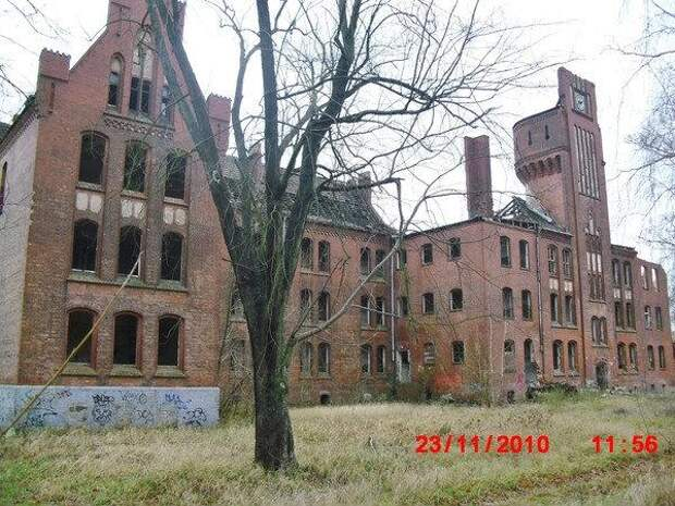 Разрушенные казармы в Ютербоге. Фото: wikimapia.org