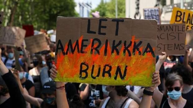 В США пожар тушат бензином