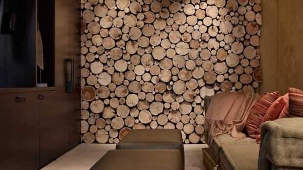 Красивый декор гостиной со спилами дерева. \ Фото: dizainvfoto.ru.