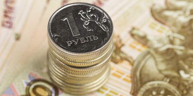 Апрель приготовил рублю болезненные удары