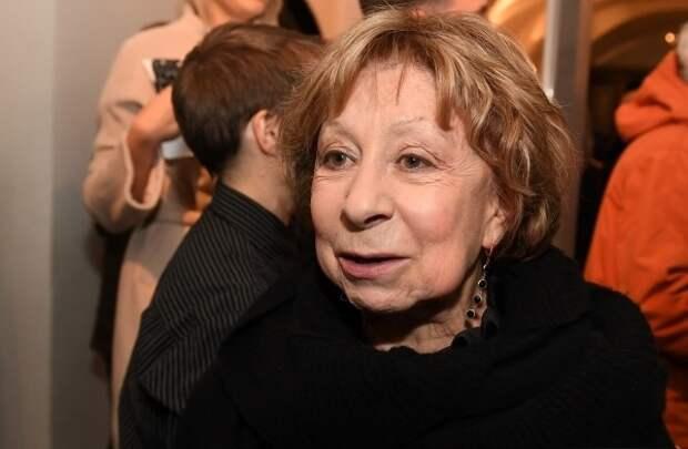 Лия Ахеджакова назвала запугиванием приговор Серебренникову