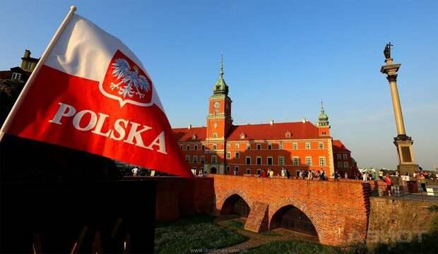 «Поляки зашевелились»: Польша уже открыто делит Белоруссию